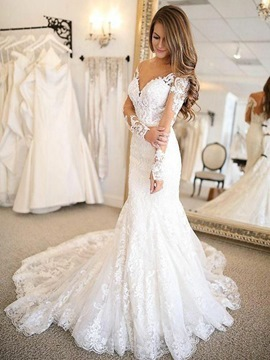 Long Sleeves Appliques Outdoor Wedding Dress 2019