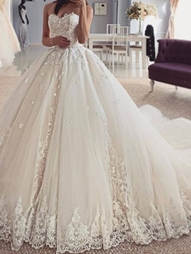 Ericdress Sleeveless Ball Gown Appliques Strapless Hall Wedding Dress 2020