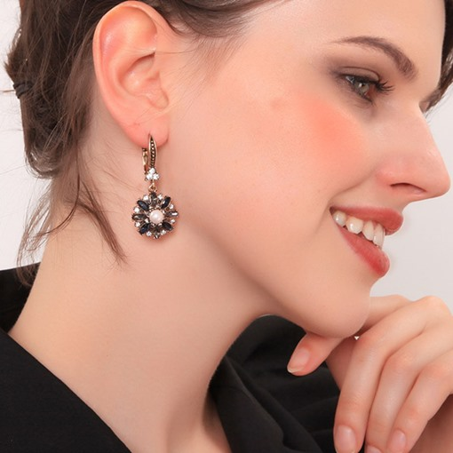 Ericdress Flower Diamante Earrings