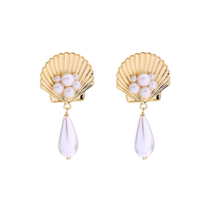 Ericdress Pearl Inlaid Sweet Scallop Earrings