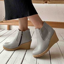 Ericdress Round Toe Plain Wedge Heel Women's Ankle Boots
