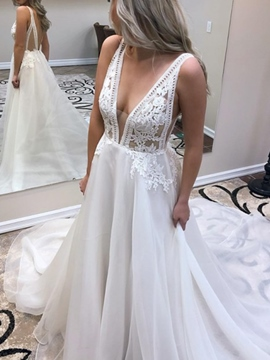 Ericdress Court Train Lace Appliques V-Neck Wedding Dress 2019
