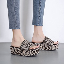 Ericdress Slip-On Platform Flip Flop Casual Slippers