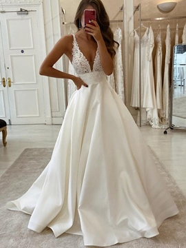 Ericdress Floor-Length Sleeveless V-Neck Appliques Garden/Outdoor Wedding Dress