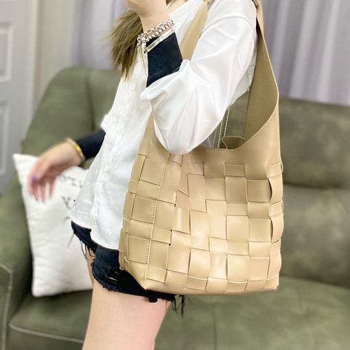 Ericdress Knitted PU Plaid Barrel-Shaped Shoulder Bags